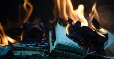 Поборники толерантности изъяли сотни книг из библиотеки Барселоны